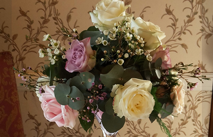 Wedding Table Arrangement - Wendy Shaw
